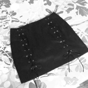 Forever 21 Plus Black Pleather mid-thigh skirt